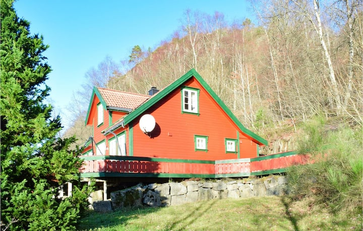 Awesome home in Lyngdal with 4 Bedrooms