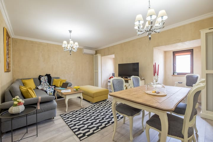 ✵the EGO House✵ King Size Beds on Vitosha BLVD
