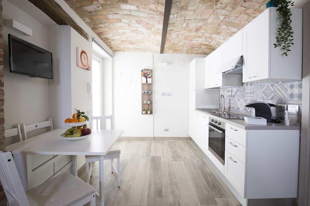 Cucina completa e accessoriata