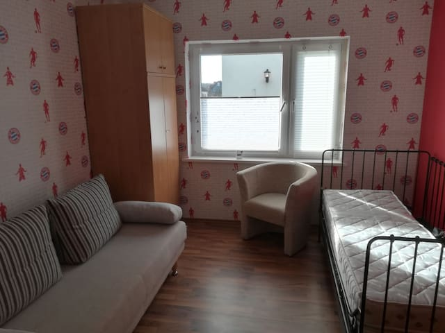 Monteur Zimmer im grünen (2)