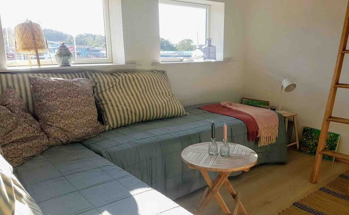 Cozy, bright holiday-annex close to Tversted Beach
