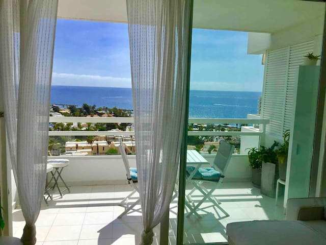 Amazing & new Ocean View (1) 1 Bdr WiFi,sea close