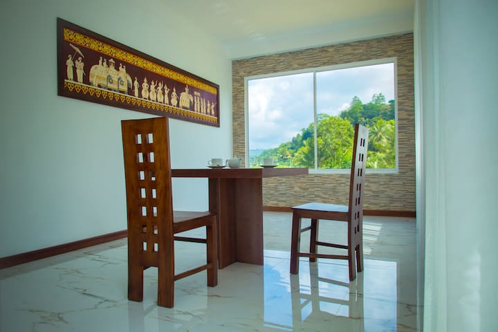 Kandyan Village  (Luxury apartment & rooms)