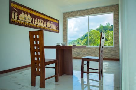 Kandyan Village  (Luxury apartment & rooms) - Kandy