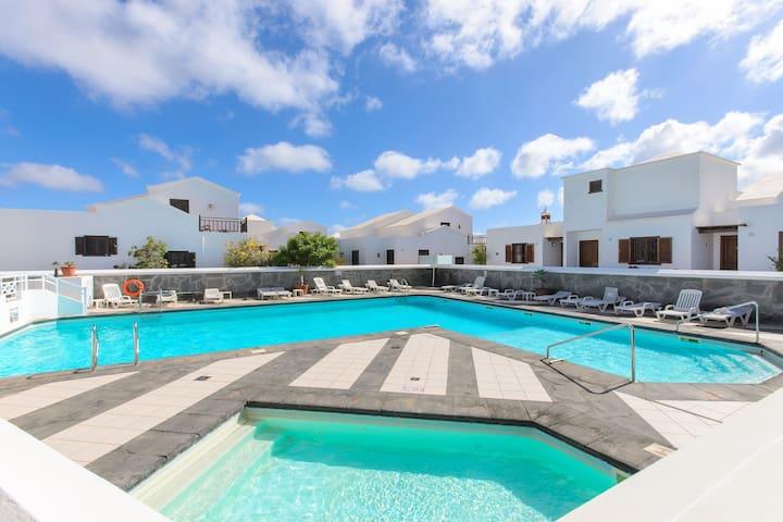 Modern Apartment Casa Susana on the Beach with Pool & Wi-Fi