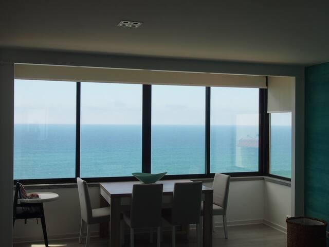 Beach apartment with an ocean view