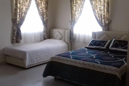 Comfortable Stay in Puncak Alam - Bandar Puncak Alam - Haus
