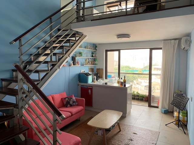 复式公寓,榻榻米设计,电影投影,开放式厨房温馨公寓
