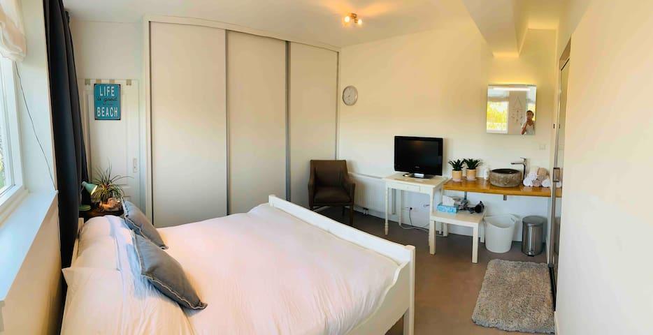 Beachhouse kamer aan zee  in Julianadorp aan zee