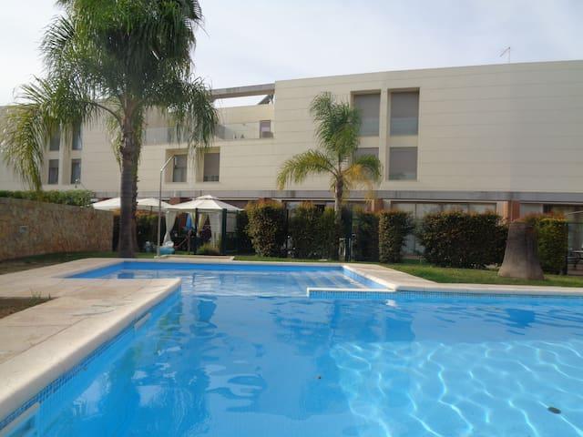 Brand new 3 bedrooms villa - Ferreiras - Huis