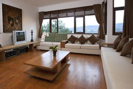 Great Villa with Great View In Dago, Bandung! - Cibeunying Kaler - Villa