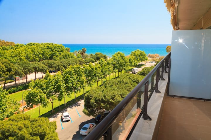 Lovely Apartment 50m Beach · Pool · AirCon · UHC CAMBRILS PARADIS