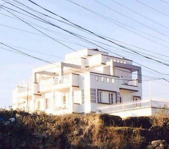 The Sunny White House - Tokha