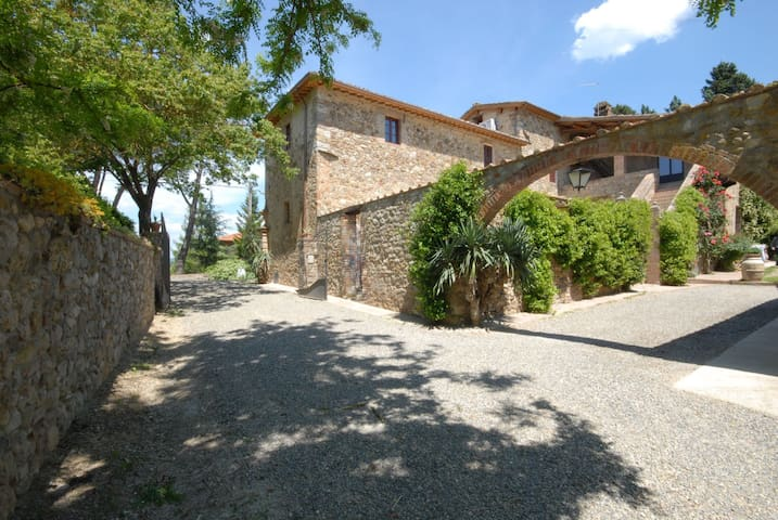 Villa Marie - Restored Barn, sleeps 2 guests - Villa Parigini