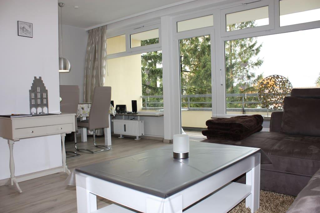 Wohnzimmer Balkon mit Sitzecke