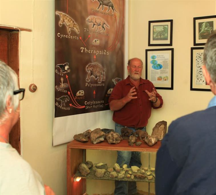 JP talking about Karoo fossils