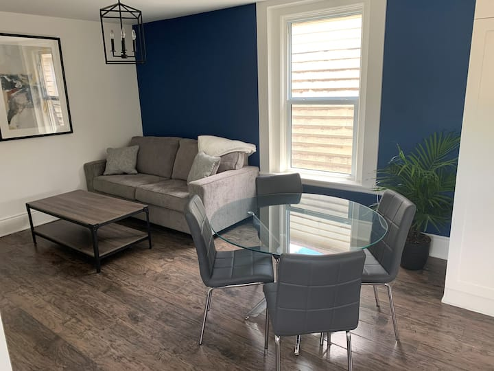 Executive living mins to DT & Western Fair grounds