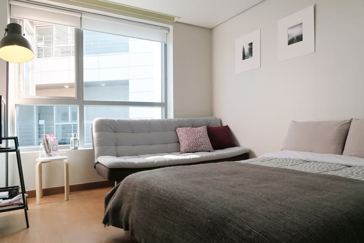 MyeongDong★Comfy & Large / Best location in SEOUL
