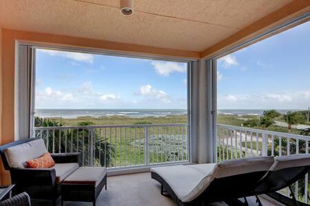 luxury ocean/Hutchinson island resort/paradise