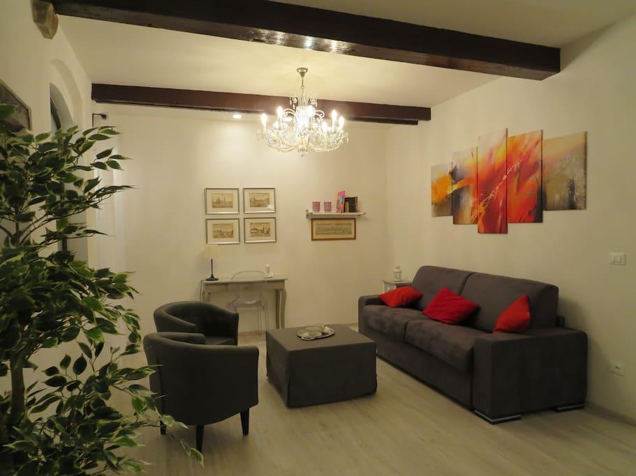 Il salotto, comodo e accogliente