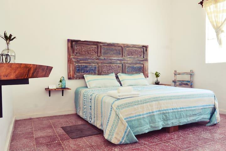 Suite King -AC, Alberca, Desayuno, 10 min a playa
