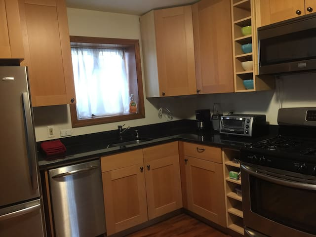 Renovated 1BR with parking