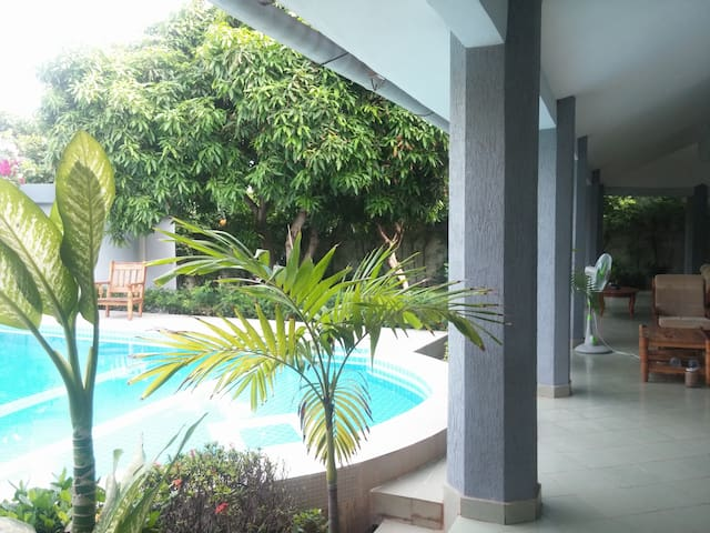AC, Pool, Private Bathroom, Terrace, Pick up - Cotonou - House