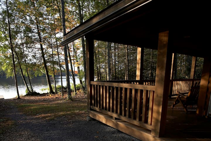 Lake Cabin w/all the comforts none of the crowds
