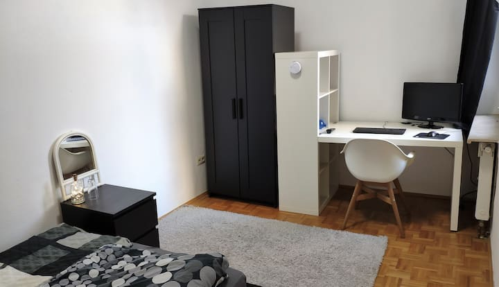 Ruhiges Zimmer in bester Lage