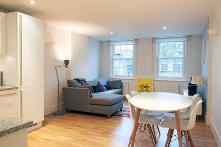 Bright, spacious 1 bed Camden flat