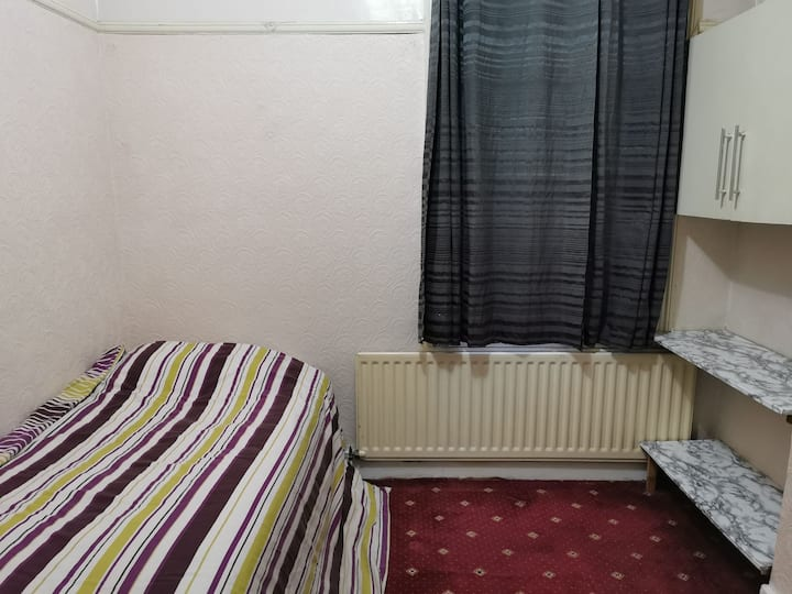EXCELLENT COSY DOUBLE ROOM FOR A SINGLE PERSON