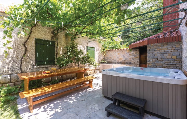 Amazing home in Tucepi with WiFi and 1 Bedrooms