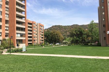 Departamento Amoblado Familiar Lo Barnechea, Chile - Társasház