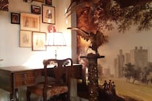 Banana Inn: British Hunting Park Room (attention Stuffed Animals in this Room )