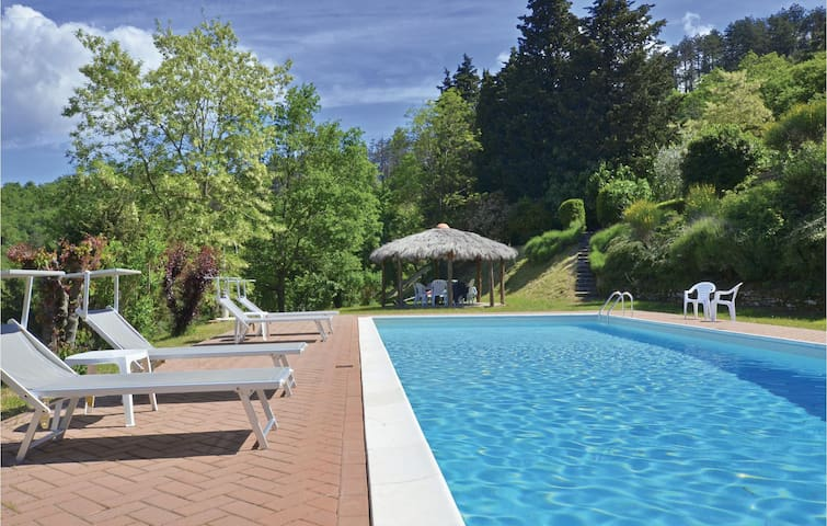 Holiday cottage with 4 bedrooms on 150m² in Anghiari (AR)