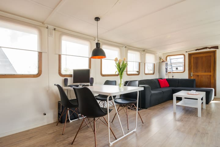 Super Houseboat in Eastern Docklands of Amsterdam - Ámsterdam - Barco
