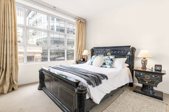 A Spacious & Cozy Apt for 6 Next to Darling Harbour