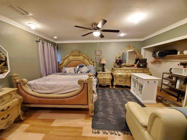 Julissa's Guest House near DISNEYLAND/ OC