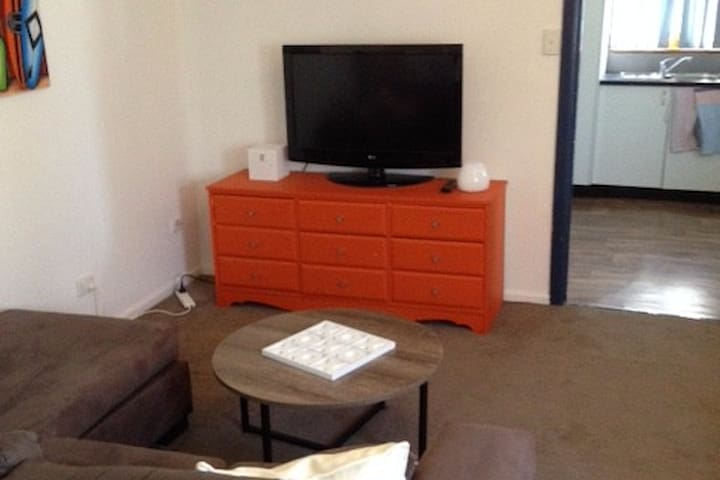 Self contained granny flat Caringbah - Caringbah - Pension