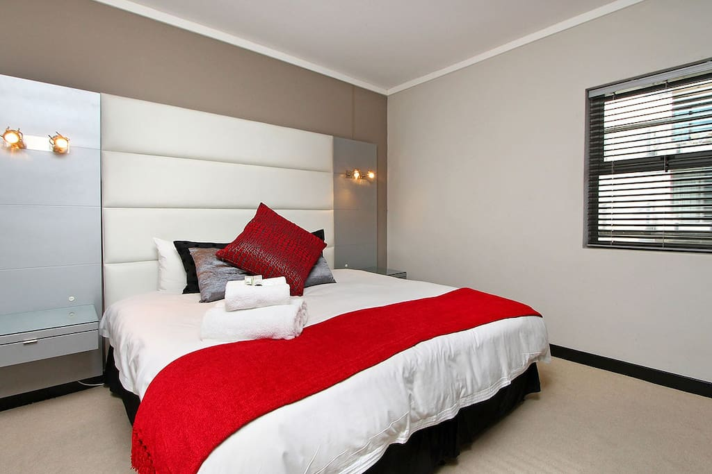 King size bed - super quality bed linen