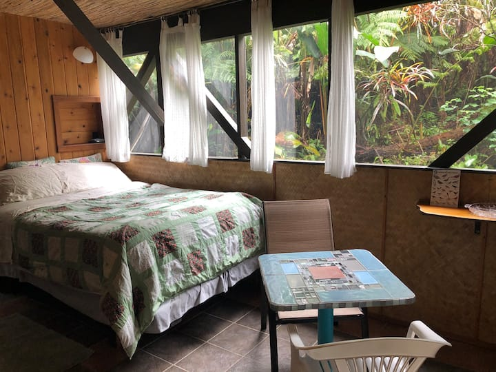 East Hawaii Jungle Suites,  Garden Studio