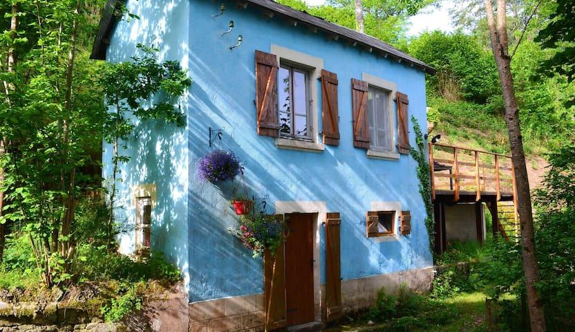 La Petite Maison Bleue - Les Ancizes-Comps - Rumah