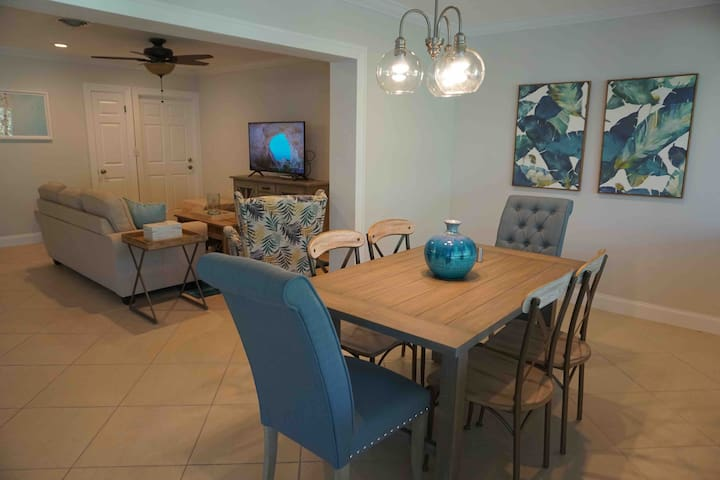 Super Clean & minutes from beach 2/2 in LHP