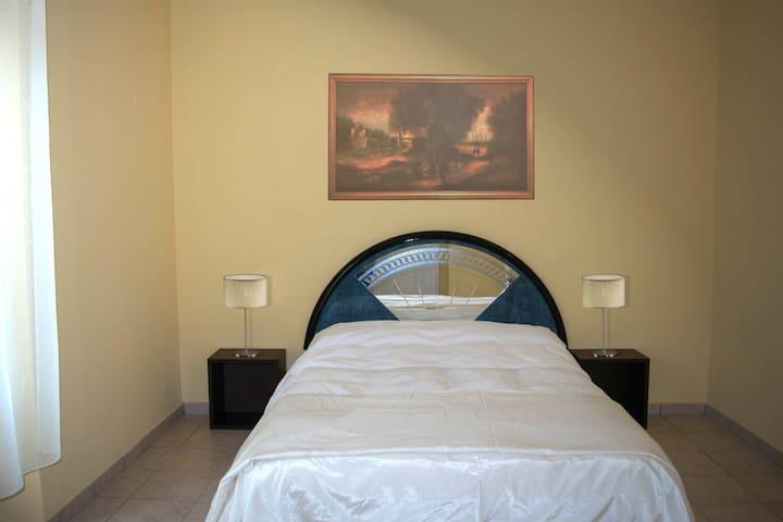 Cristal - Camere spaziose e luminose - Piacenza - Bed & Breakfast