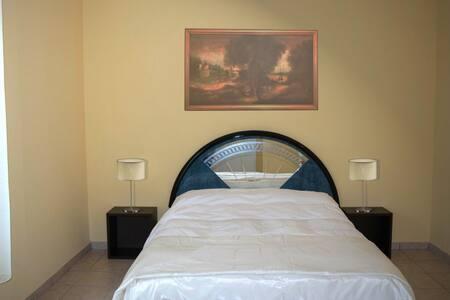 Cristal - Camere spaziose e luminose - Piacenza