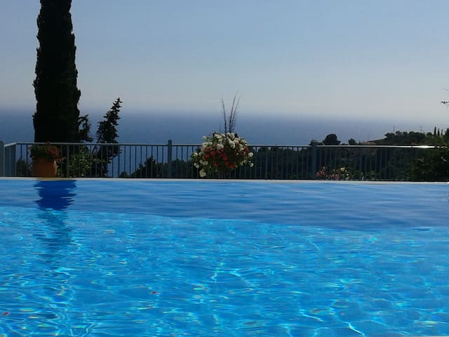 Beautiful see view Villa with pool - Pelekas - House