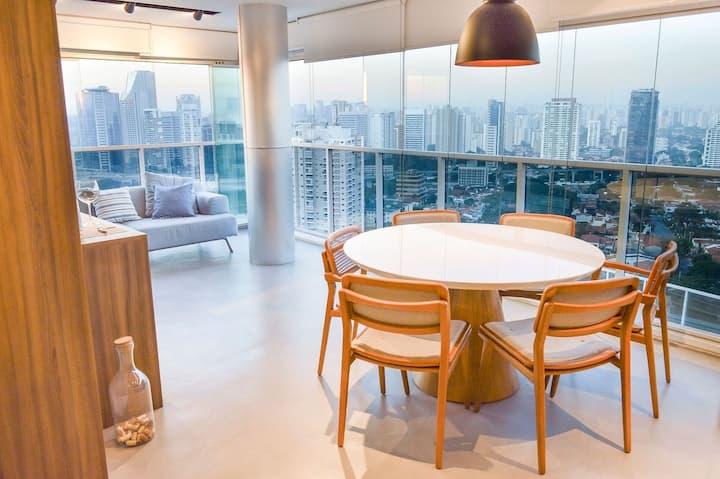Apartamento com Vista Panorâmica de São Paulo!