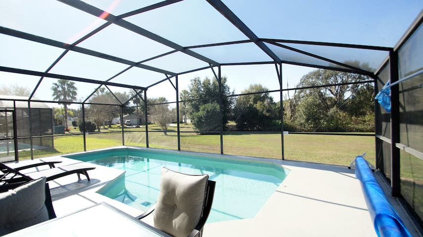 Luxury 4 Bdr villa with pool near DisneyWorld - Clermont - Villa