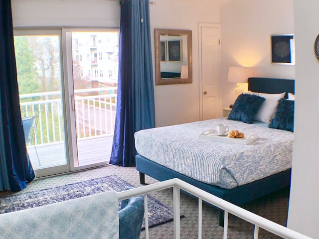 After a day at the beach, relax in your private 3rd floor master suite.