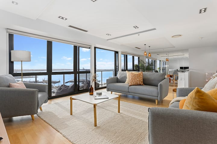 Luxury 2 Storey Penthouse with breathtaking views
